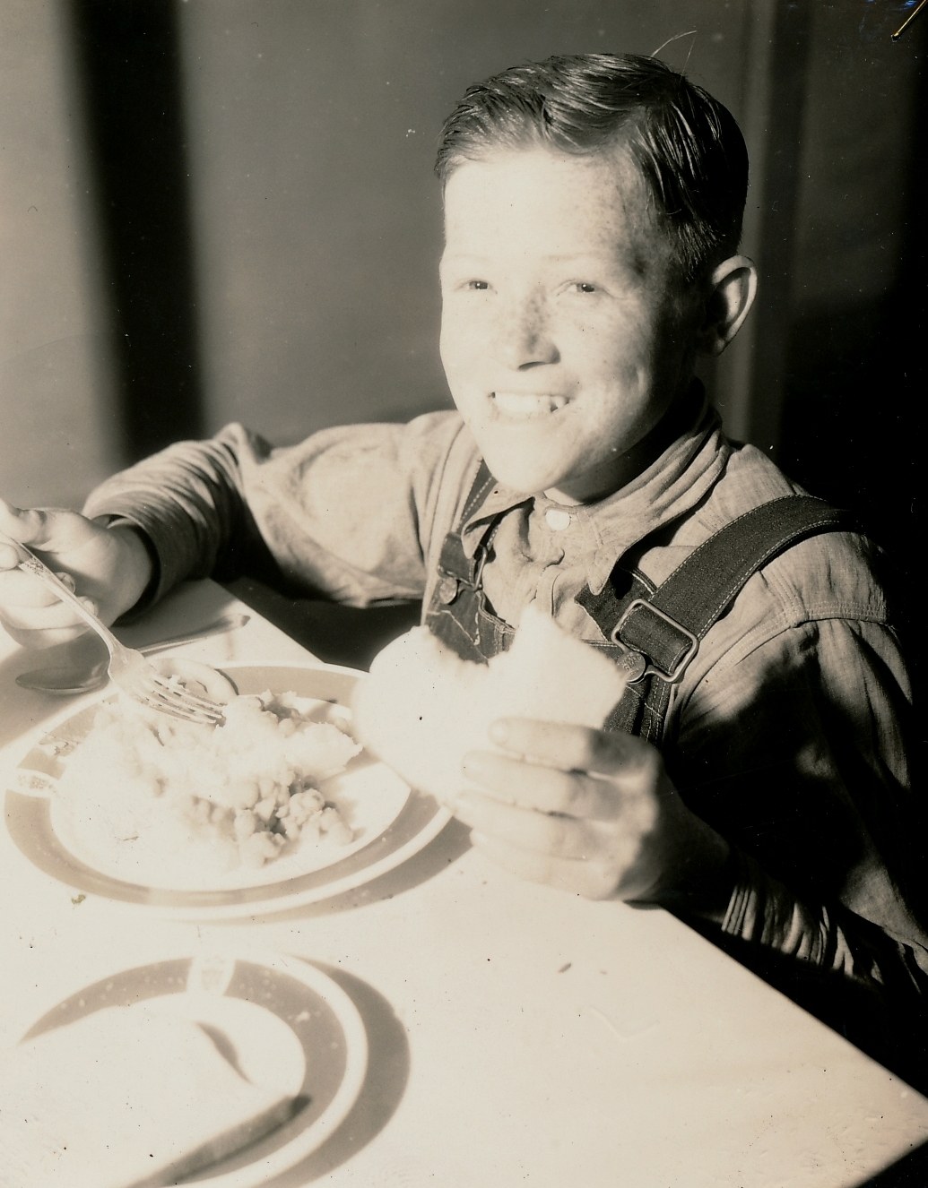 A WPA hot lunch is appreciated in Greenville, South Carolina. Photo courtesy of the National Archives (1938).