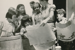 A WPA-funded art class for children, on 1422 9th street, Sacramento, California, ca. 1935-1943. Photo courtesy of the National Archives.