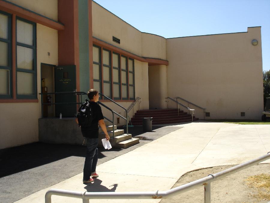 Sierra Visa front entrance