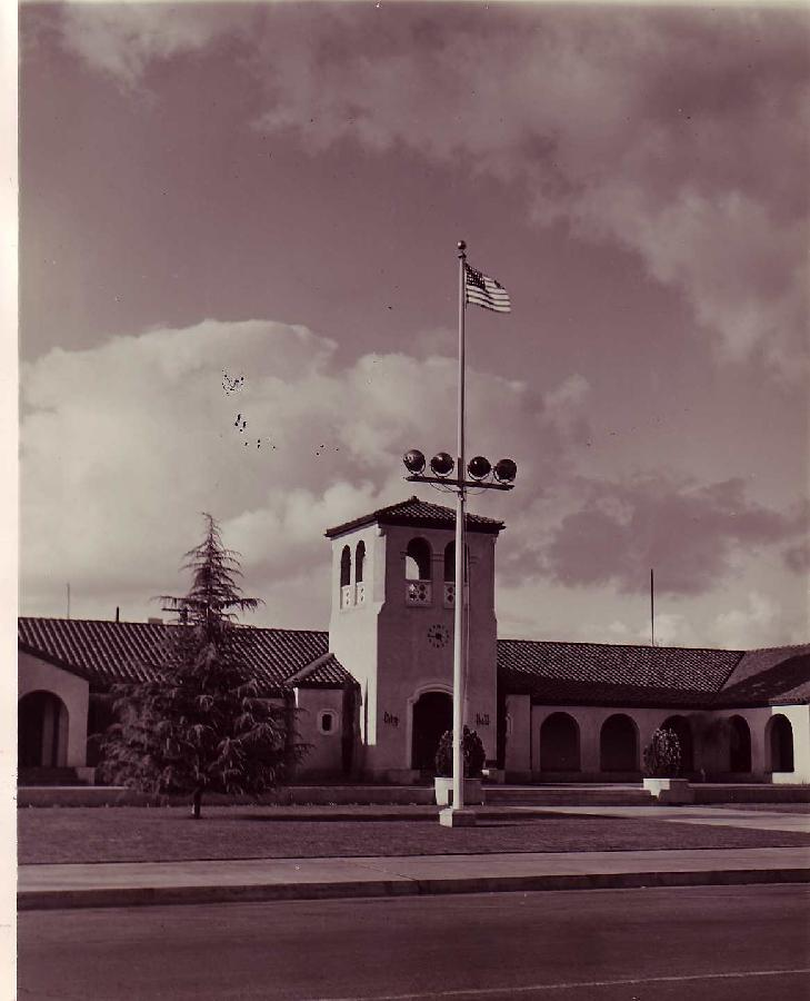 Lindsay City Hall Archive Photo