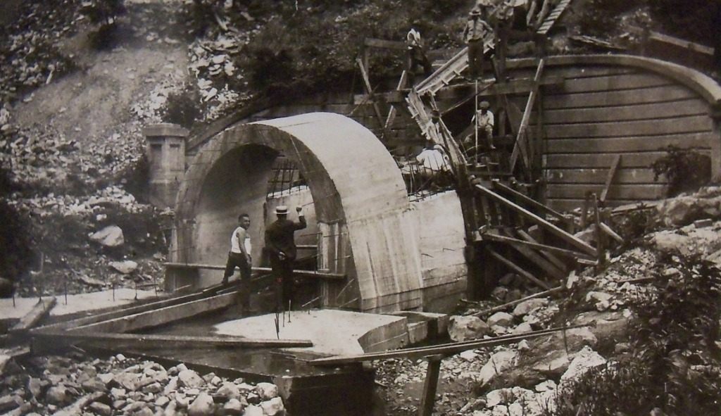 WPA workers construct a storm water drain, Hanlon Park, Maryland