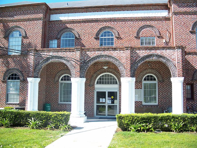 Gilchrist County Courthouse - Trenton FL - Living New Deal