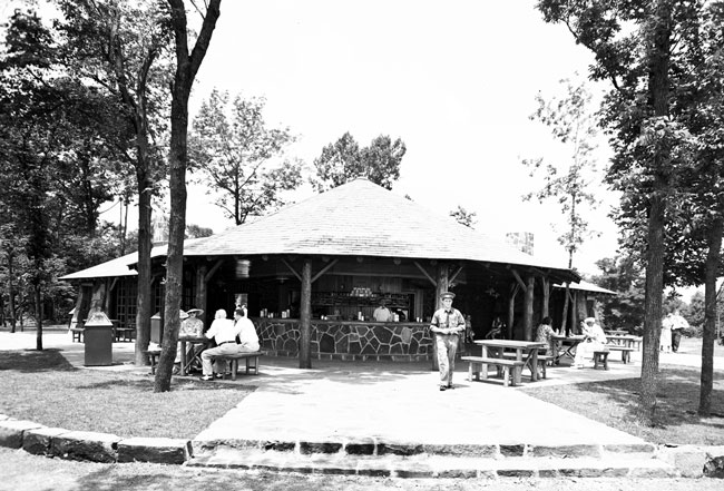 Lookout Inn Archive Photo