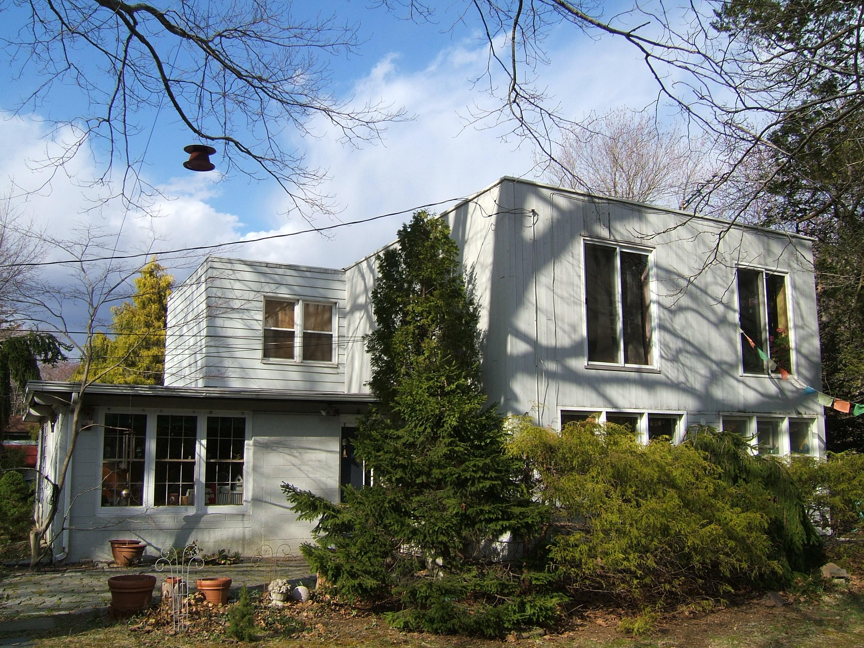 Roosevelt NJ 2A Cube Home