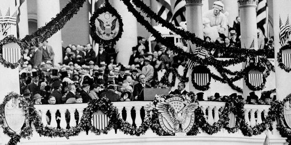Criticism of Franklin D. Roosevelt's New Deal at EssayPedia.com