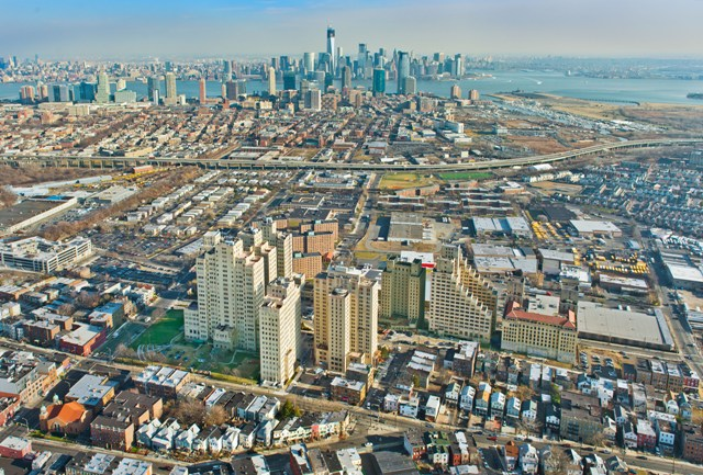 http://livingnewdeal.org/wp-content/uploads/2013/06/Beacon_Aerial_Skyline.jpg