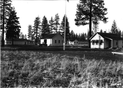 Cabin Lake Guard Station Bend Or Living New Deal