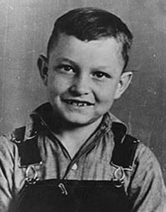 Young Johnny Cash. Cash moved to the colony in 1934 with his parents and five siblings.