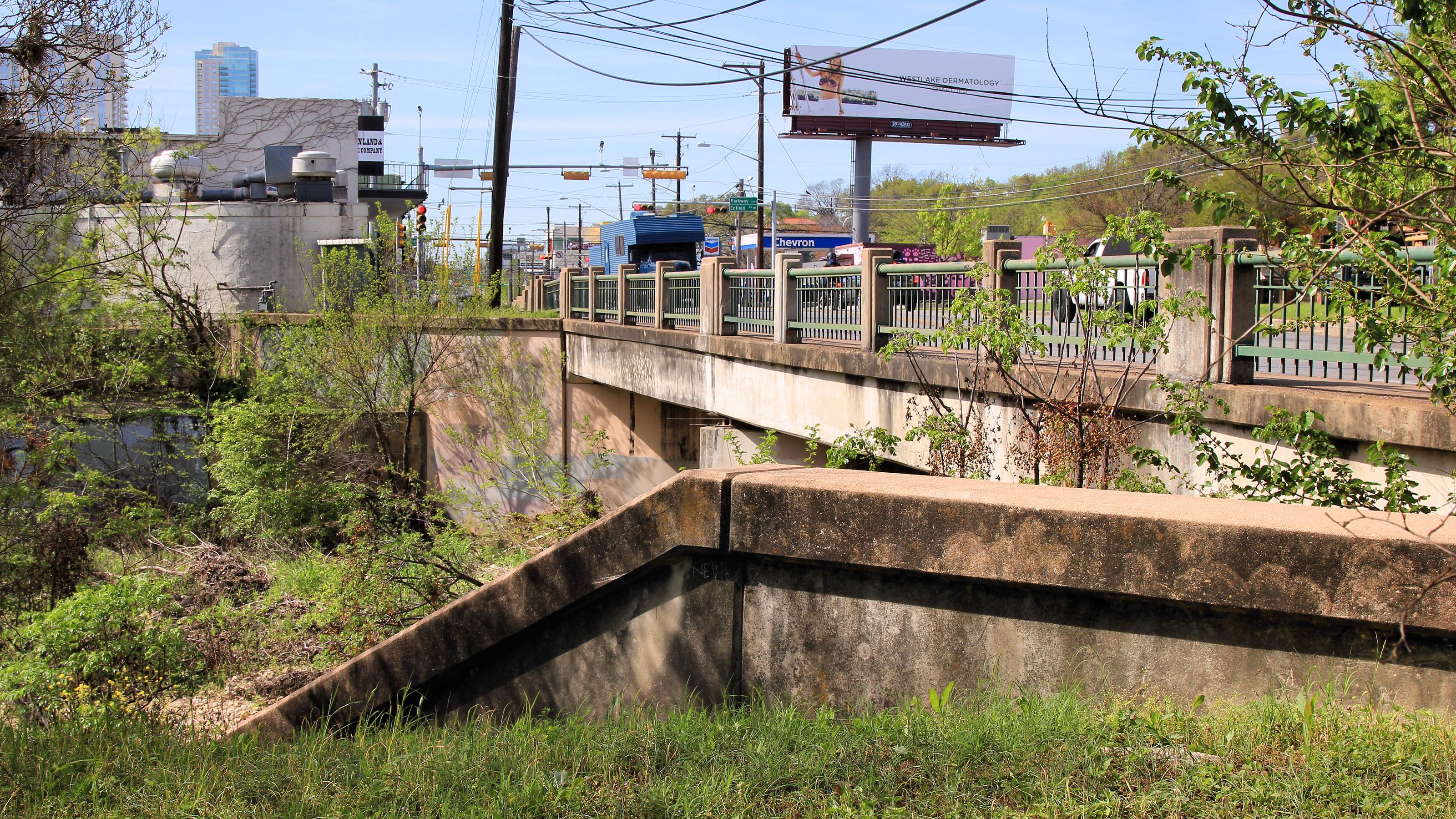 Lamar Boulevard Bridge over Shoal Creek - Austin TX - Living