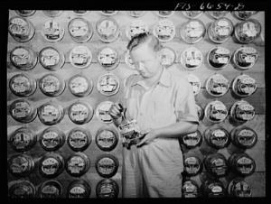 Meters (1942)